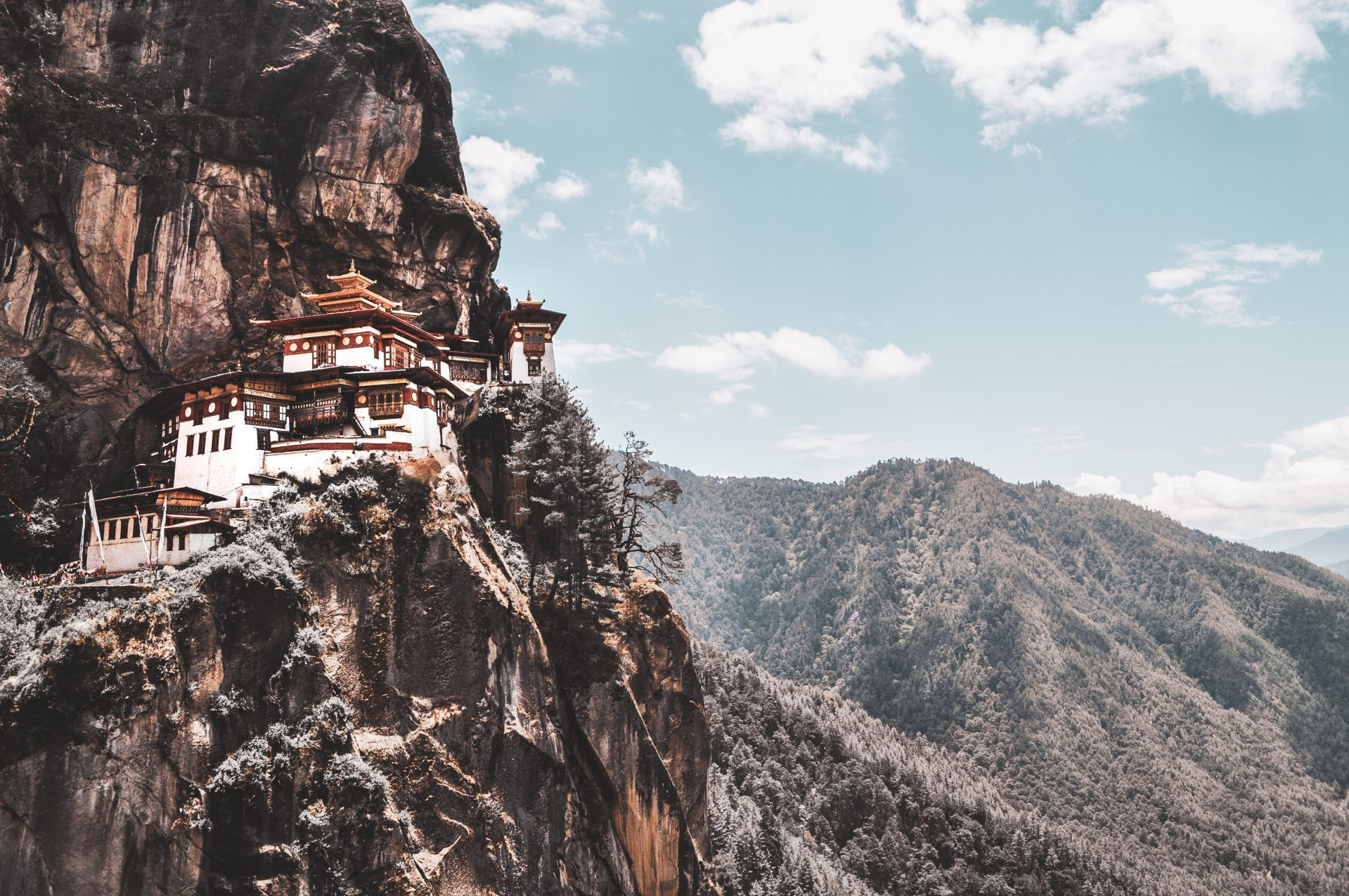 Living from the Heart... & Other Lessons from Bhutan - Laura Hartley